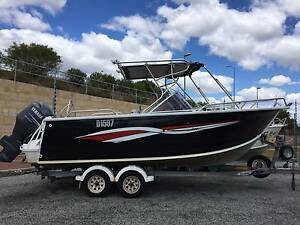Quintrex 610 Freedom Sports Bowrider Midvale Mundaring Area Preview