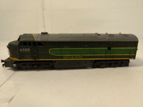 Vintage AHM Tempo Northern Pacific #6500 Green Train Engine HO Gauge Scale tr965