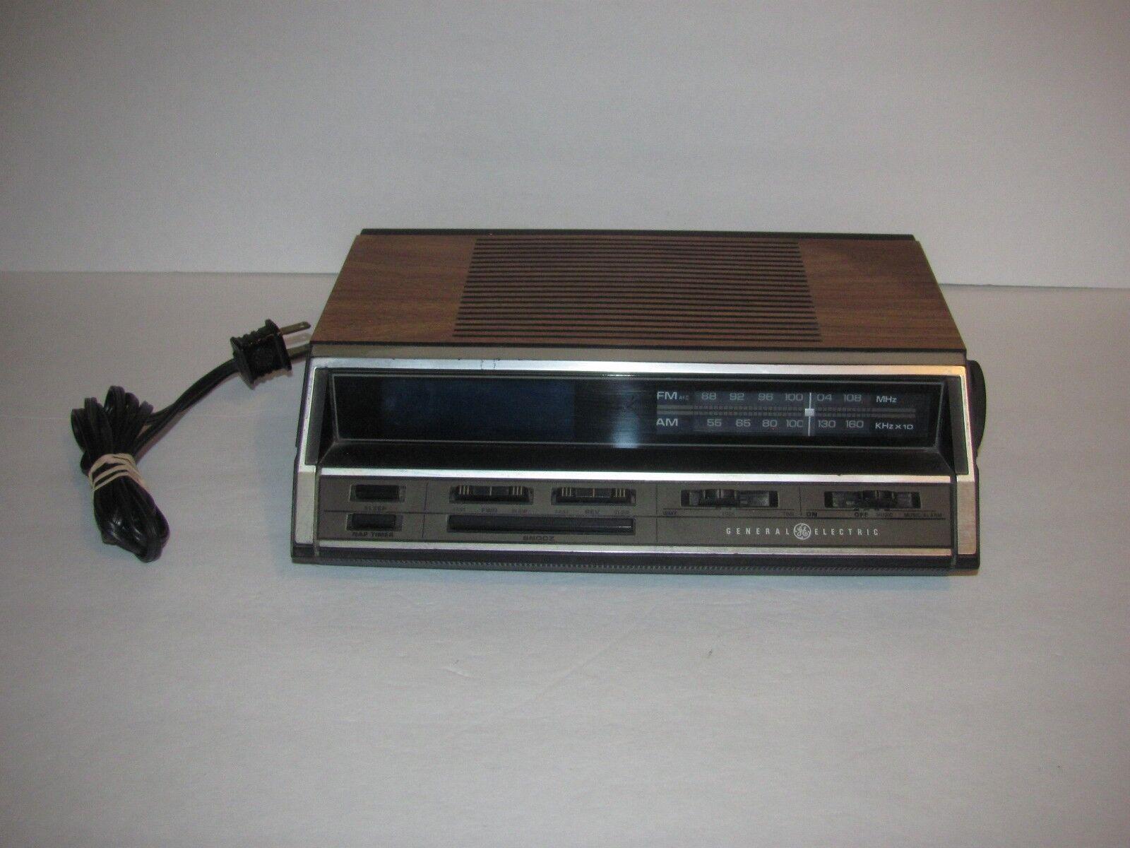 Vintage GE General Electric Digital Alarm Clock Radio #74666A Blue Display Retro