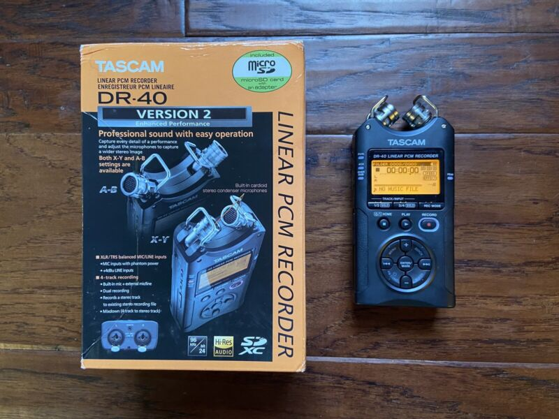 TASCAM DR-40 Digital Recorder - Portable Stereo Audio Recorder