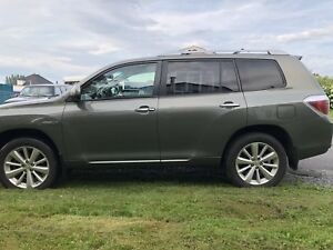 Toyota Highlander Hybrid *need gone*