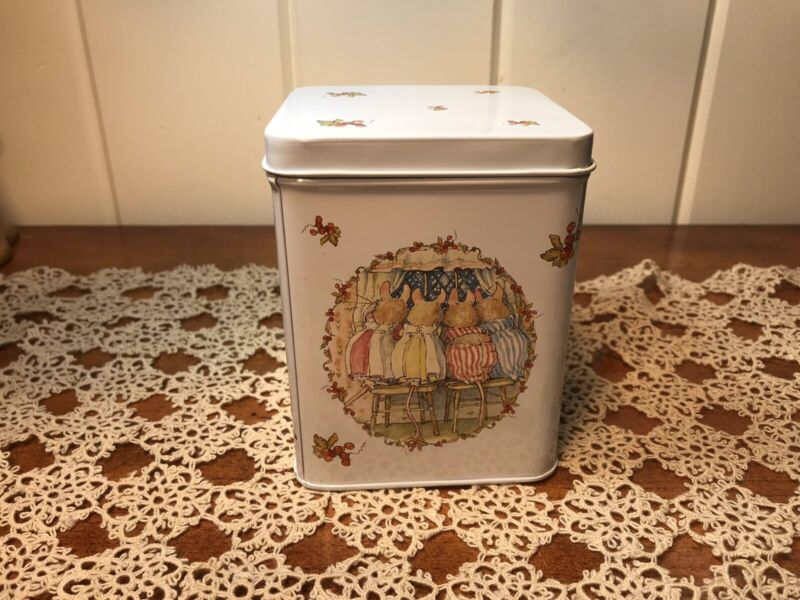 NEW Brambly Hedge Metal Tin Canister The Snowy Window