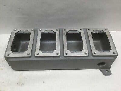 Hubbell Killark Swb-20 Aluminum Enclosure 4 Panel Slots 1 Npt Lot 12
