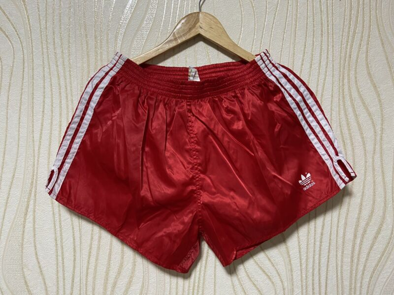ADIDAS 80s VINTAGE FOOTBALL SOCCER SHORTS RED sz 8