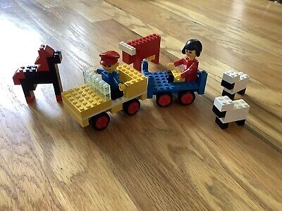 Vintage 1975 LEGO Farm Vehicle with Animals #255. Complete w/ Box & Instructions