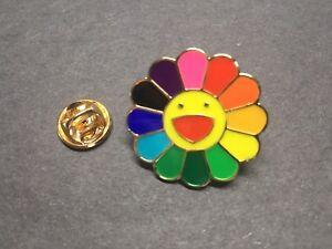 New TAKASHI MURAKAMI Kaikai Kiki Rainbow Flower Lapel Pin Badge Complexcon USA