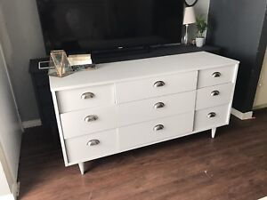 FREE DELIVERY- MCM Vintage Dresser/TV Console - Must See