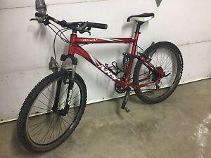 Vélo de montagne double suspension