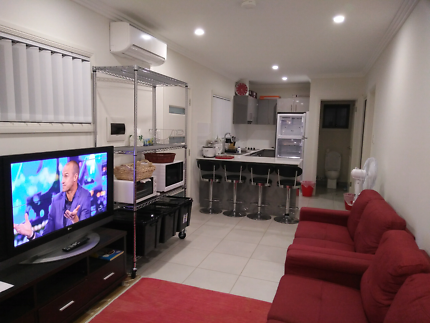 Filipino couple Rooms to let in Campbelltown area