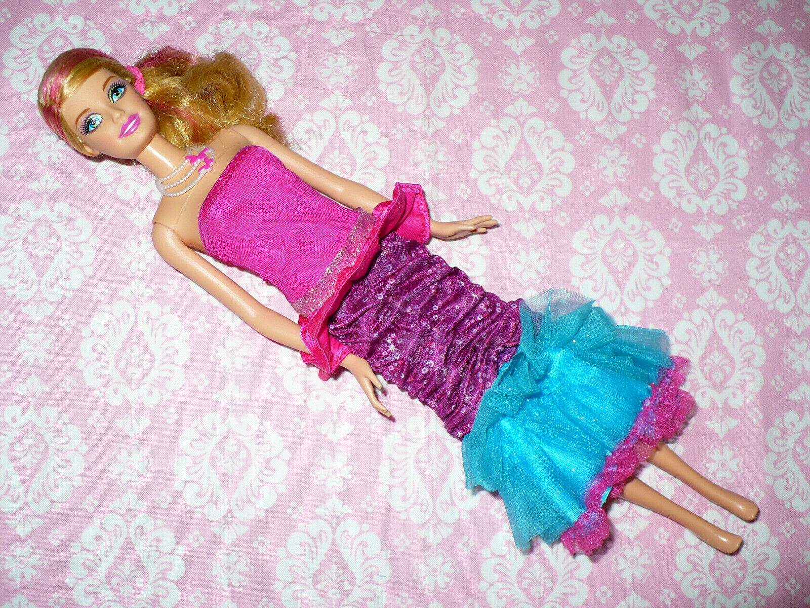 Mattel Barbie Doll A FAIRY SECRET CHANGING SKIRT DOLL No WIngs Or Shoes - $15.99