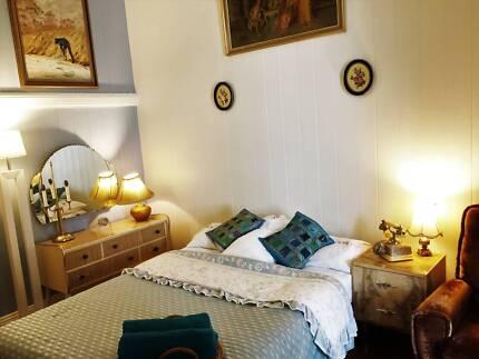 Master Room+AC+Own Bath_Vintage Design@Walk 2 QUT KG, CBD, SHOPS