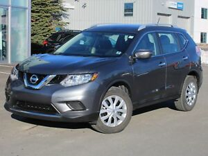 2015 Nissan Rogue S AWD   BACK UP CAM   ONLY 14,000 KM!!