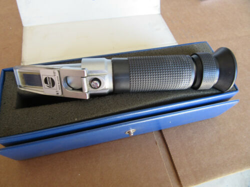 """Castrol N1 (0-32"""") Refractometer """"Made in USA"""" with Case VGC!!!"""