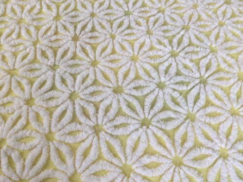 HOFFMAN Sunny Yellow White Daisy Chenille Bedspread Vintage 89X104 LOVELY