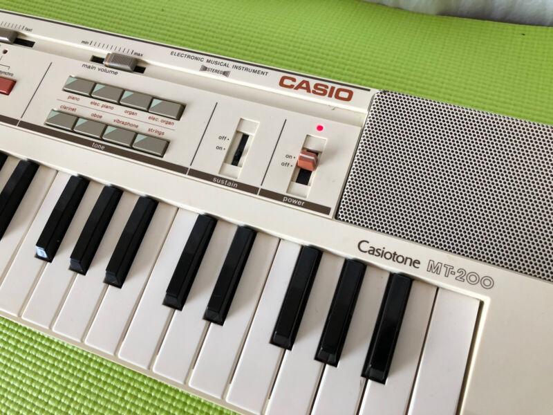 🎹 🎼 Vintage Retro Casiotone MT-200 Electronic Keyboard Synthesizer  🎶🎵