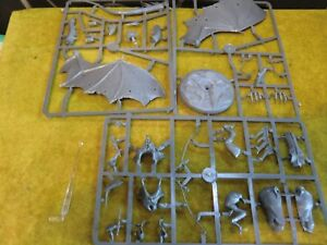 WARHAMMER LOTR - WITCH KING OF ANGMAR ON FELLBEAST ** NEW ON SPRUE **