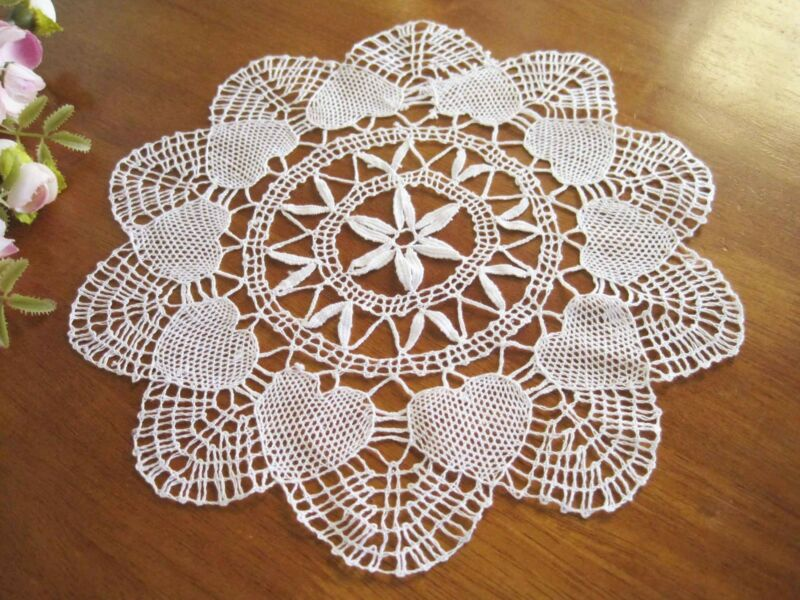Vintage Style Heart Shape Hand Bobbin Lace Cotton White Doily