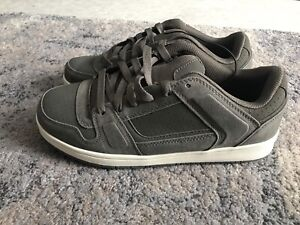 Brand new size 10 men's shoes
