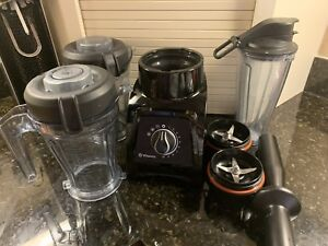 Vitamix S50 with extra blender container and blade assembly