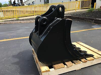 New 24 Heavy Duty Excavator Bucket For A Komatsu Pc55 W Coupler Pins