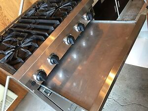 "VIKING UltraLine 30""inch Professional Gas Range  West Island Greater Montréal image 6"