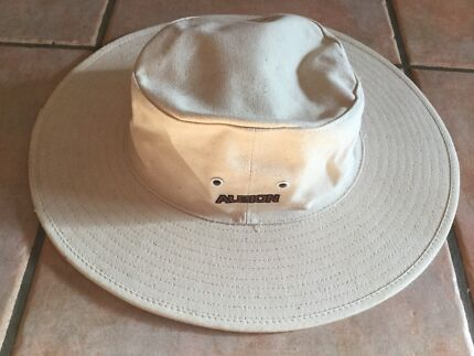 CHILDS CRICKET HAT