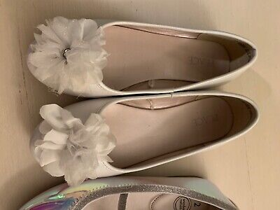 Lot of Slip-on,Girls Dress Shoes, Size 2,bow, Childrens place and Wonder Nation