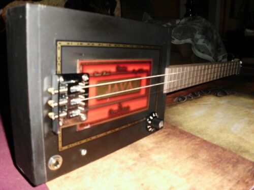 3 STRING ELECTRIC/ACOUSRIC CIGAR BOX GUITAR
