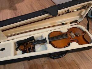Brand new  Cecilio CVN200 solid wood violin full size(4/4)