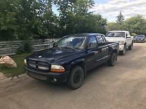 2002 Dodge Dakota sport 2WD quad cab