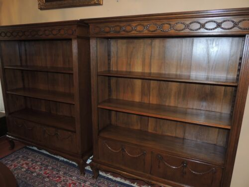 RARE Antique Pair of 19th Century French Oak Bookcases ca. 1880 shelves display