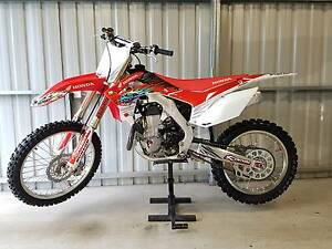 HONDA CRF450 IMMACUATE CONDITION AND SPARES  ONLY 10HRS CRF 450 Brisbane City Brisbane North West Preview