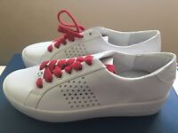 Micheal Kors Poppy Leather Sneakers