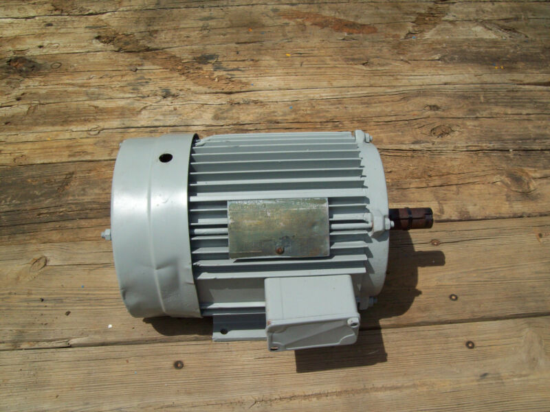 LINCOLN ELECTRIC MOTOR SER# 753805 5 HP  200/400 VOLTS 60 AMPS