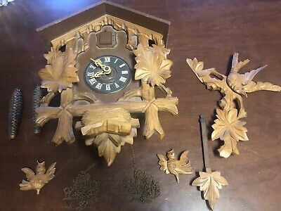 German E. Schmeckenbecher 1-Day Black Forest Cuckoo Clock 3 Bird 6 Leaves & Nest