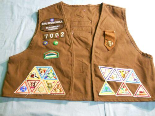 Vintage Brownie Girl Scout Vest Patches & Pins Troop # 7002 Northwest Georgia