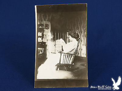 RPPC Woman Rocking in Front Parlor Reading Mail 1912 Calendar ()