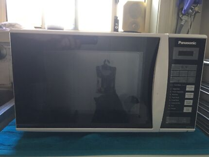 Panasonic Microwave Oven - Excellent Condition