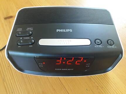 Philips Dual Alarm Clock Radio - Brand New in original packaging