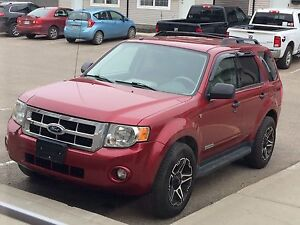 2008 Ford Escape XLT *PRICED TO SELL*
