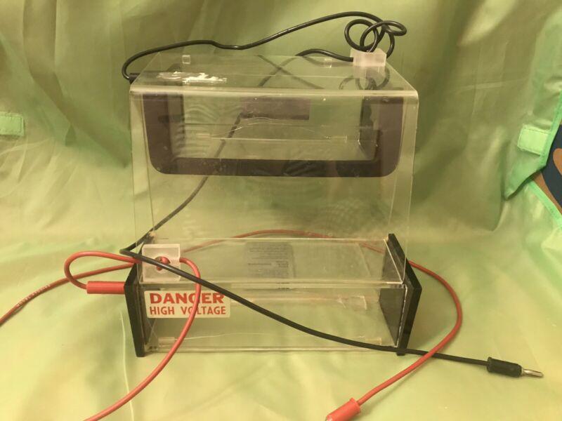 BRL Vertical Gel Electrophoresis System  Model V161