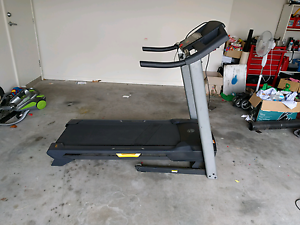 Golds gym Treadmill Thornton Maitland Area Preview