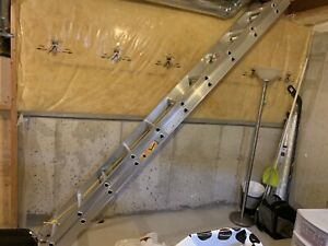 Selling 20 foot extension ladder