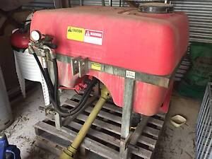 SILVAN AIR ASSIST SPRAYER 400 LITRE - 71L/MIN PUMP Singleton Area Preview