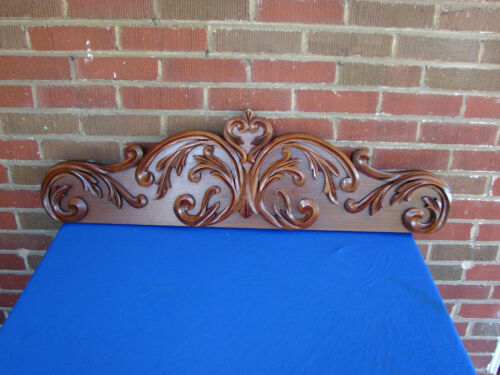 ANTIQUE VICTORIAN WALNUT CARVED PEDIMENT CROWN CREST SALVAGE