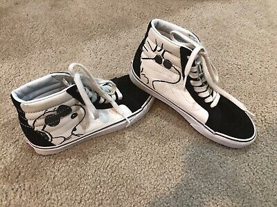 Joe Cool Snoopy Peanuts Van's Shoes Mens Size 6.5 Womens 8 nice condition