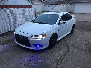 2015 Mitsubishi lancer fully loaded in mint. condition...23000km