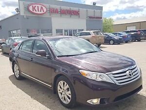 2011 Toyota Avalon XLS PST Paid - Leather Heated Seats - Navi...