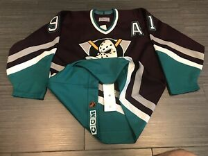 hot sale online 79c96 8a3f6 Anaheim Ducks Jersey | Kijiji in Toronto (GTA). - Buy, Sell ...