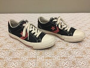 Soulier Style - Converse - Running Shoes Sz. 40 / 6.5